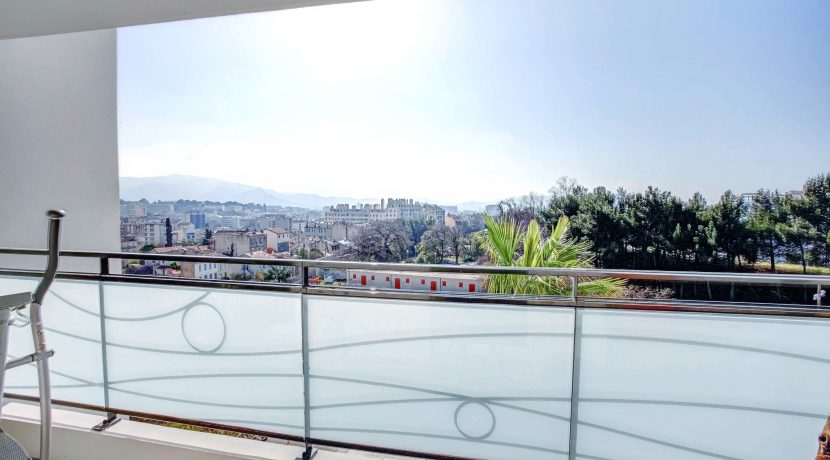 ma-terrasse-a-marseille-appartement-t4-piscine-longchamp-13001-2