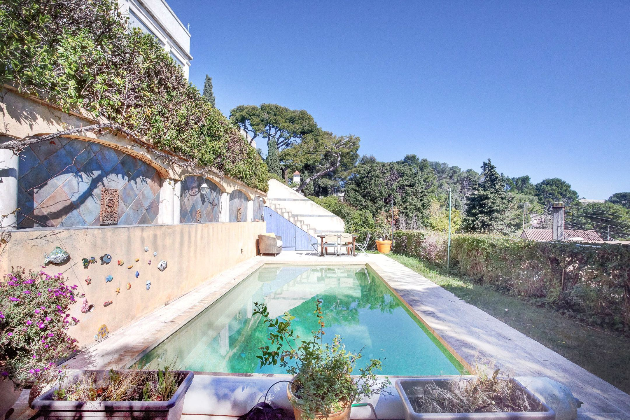 Ma terrasse marseille agence immobili re acheter - Amenagement piscine contemporaine marseille ...