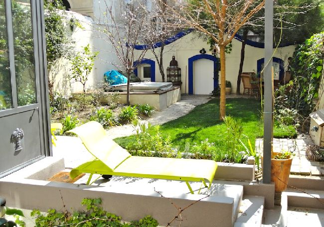 Appartement avec jardin et terrasse marseille vivre au for Appartement marseille avec terrasse