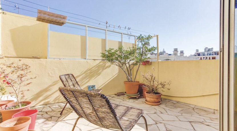 Grand t2 terrasse quartier caserne de muy ma terrasse for T2 marseille terrasse