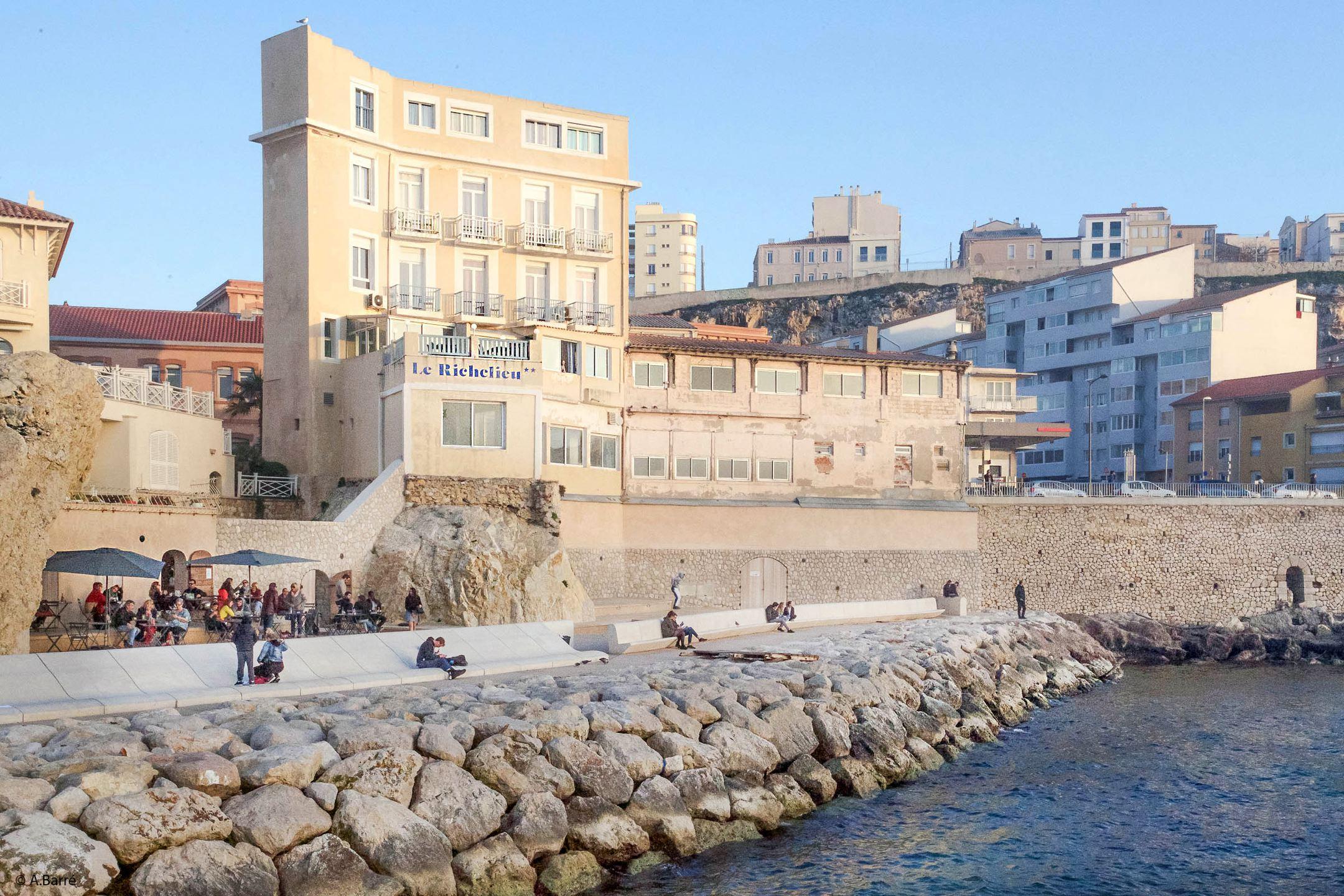 Hôtel «Le Richelieu» face à la Mer