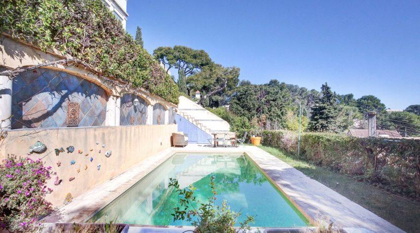 T4-piscine-terrasse-mer-roucas-1