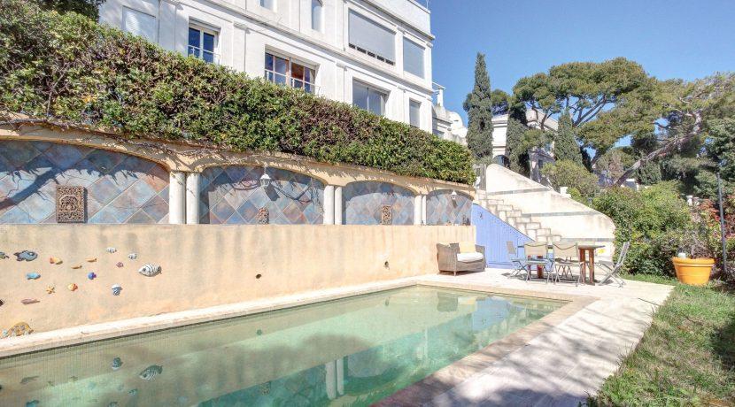 vivre au roucas blanc avec piscine et vue mer ma terrasse marseille. Black Bedroom Furniture Sets. Home Design Ideas