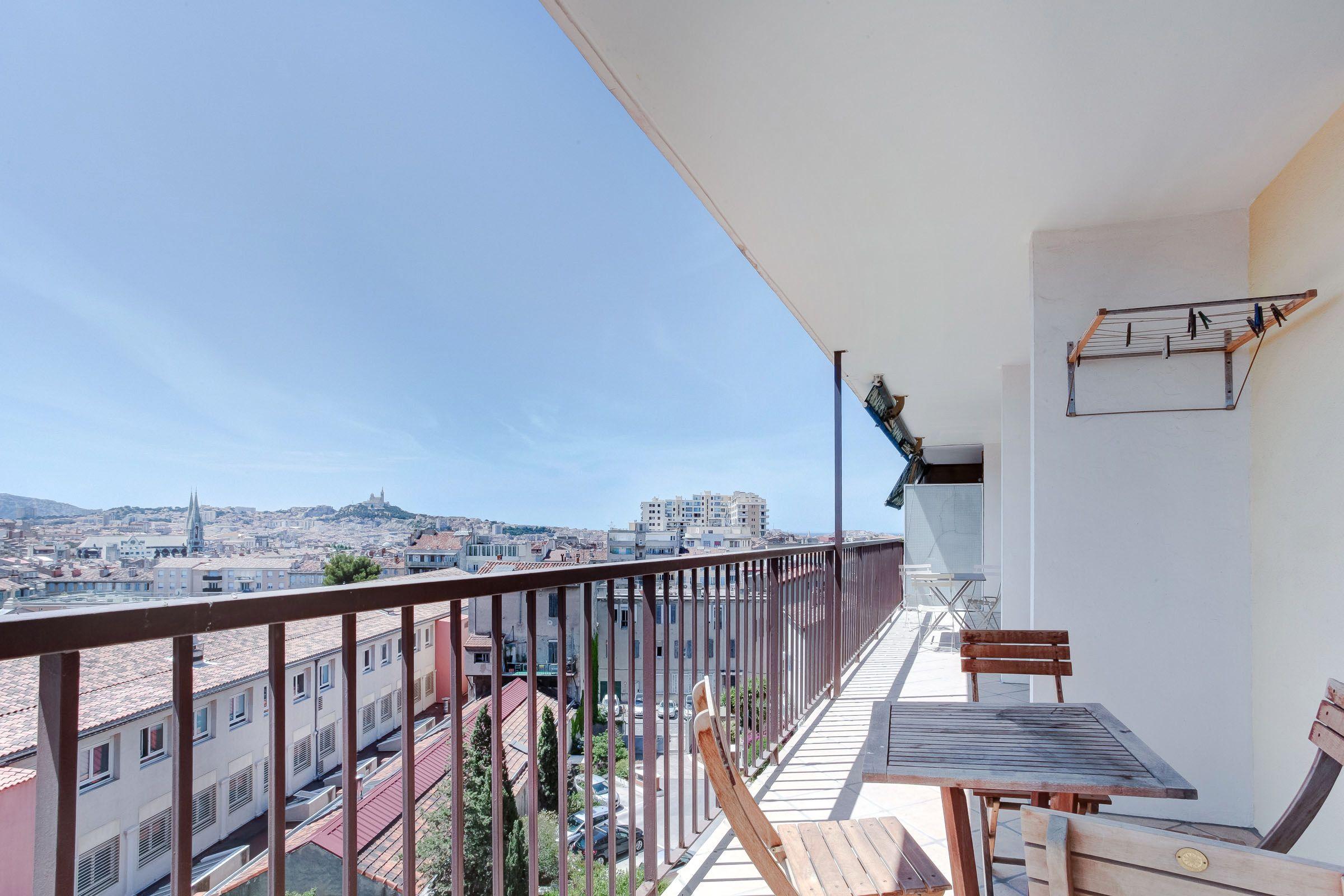 Terrasse et vue imprenable plein sud à Longchamp