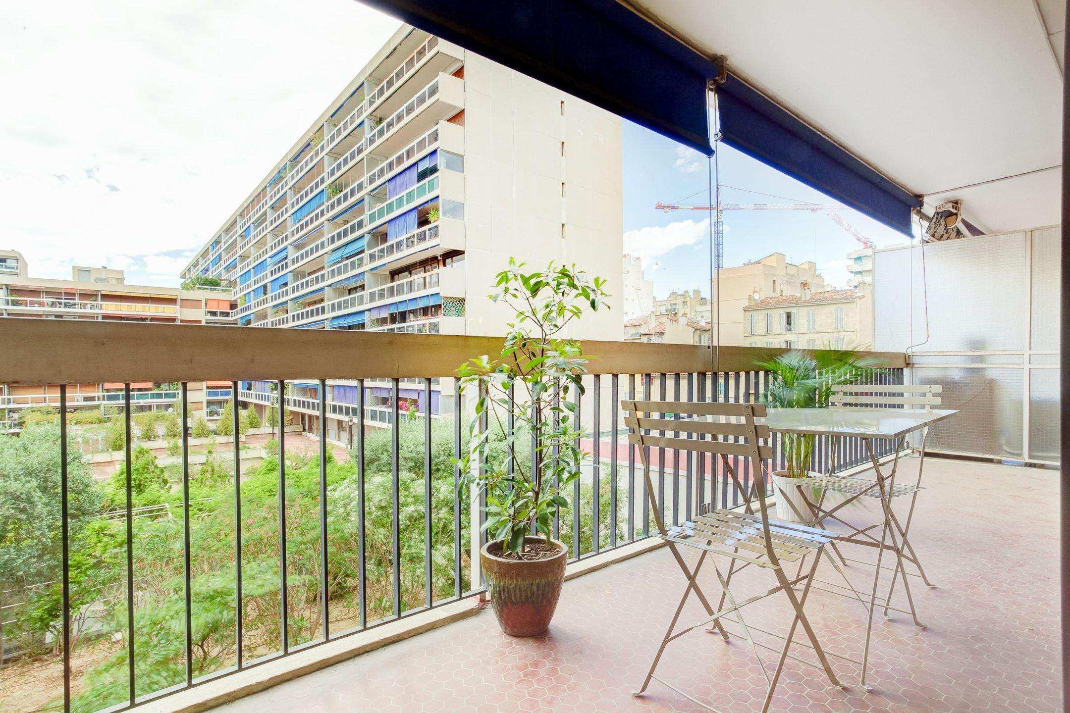 T4 lumineux avec terrasse