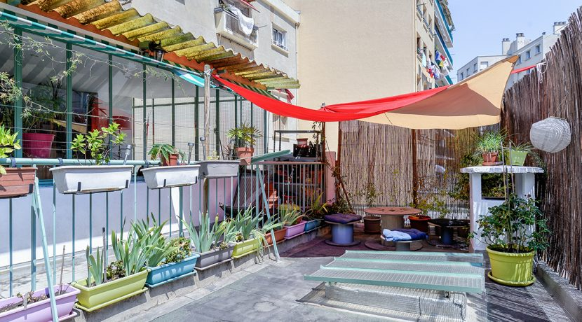 appartement cocon avec terrasse ferrari camas ma terrasse marseille. Black Bedroom Furniture Sets. Home Design Ideas