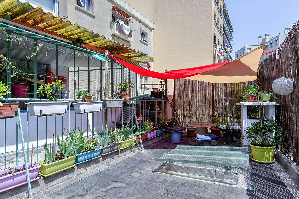 Appartement cocon avec terrasse ferrari camas ma for Terrasse marseille immobilier