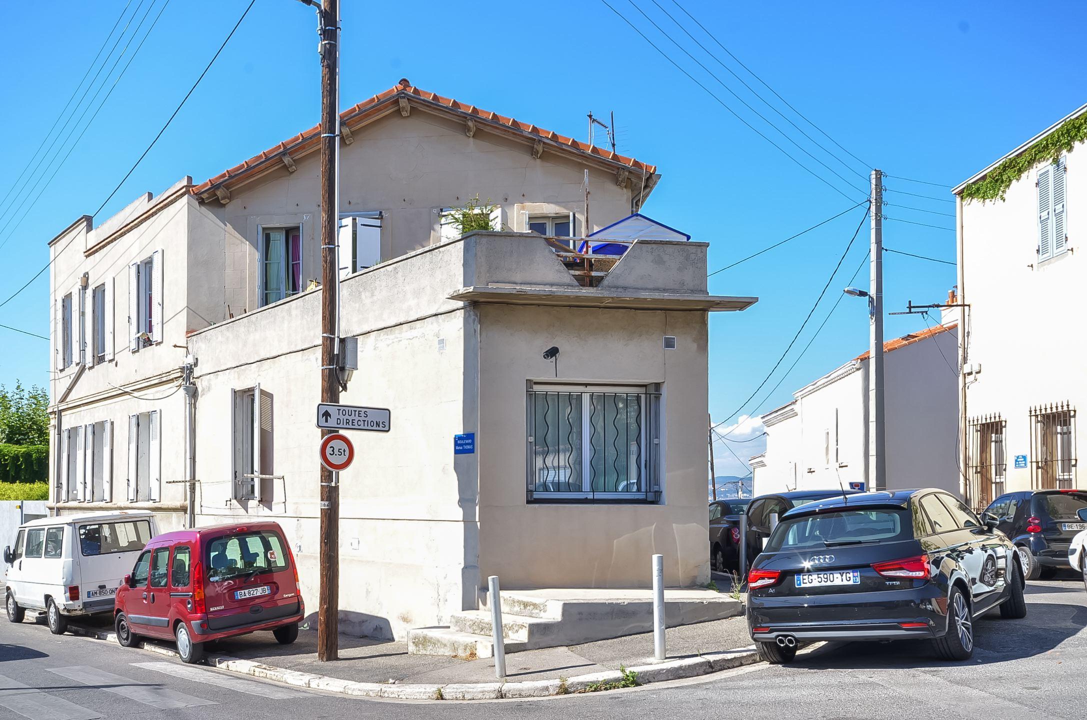 Grande maison avec terrasse à rénover / Endoume