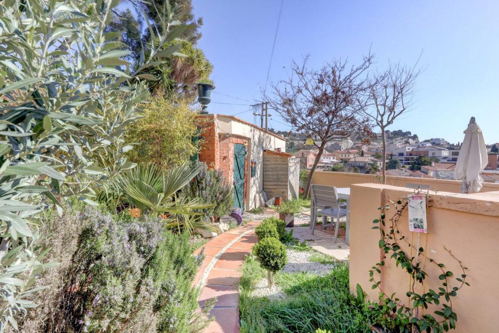 Maison jardin estaque marseille 2 ma terrasse marseille - Maison jardin condominium montpellier ...