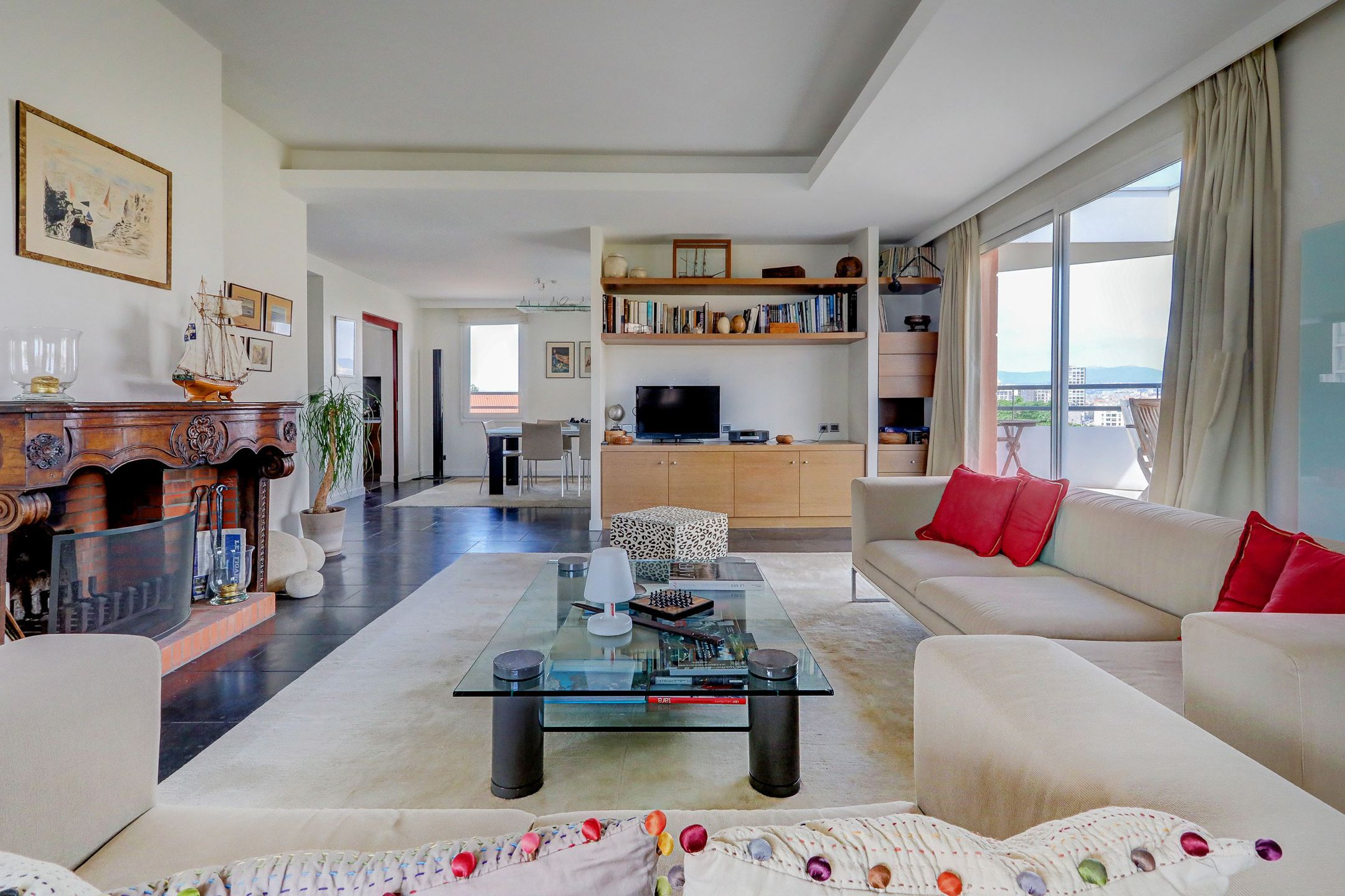 dernier tage au vieux port ma terrasse marseille. Black Bedroom Furniture Sets. Home Design Ideas