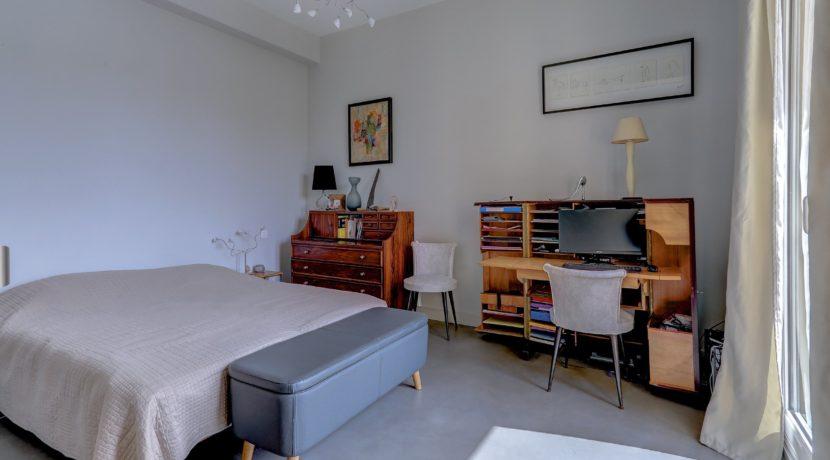chambre3_bureau_terrassetoit_panier_vueimprenable_vieuxport_marseille_notredame_castel_pouillon
