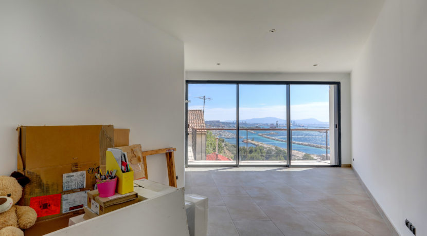 ma-terrasse-a-marseille-maison-piscine-vue-mer-13006-24
