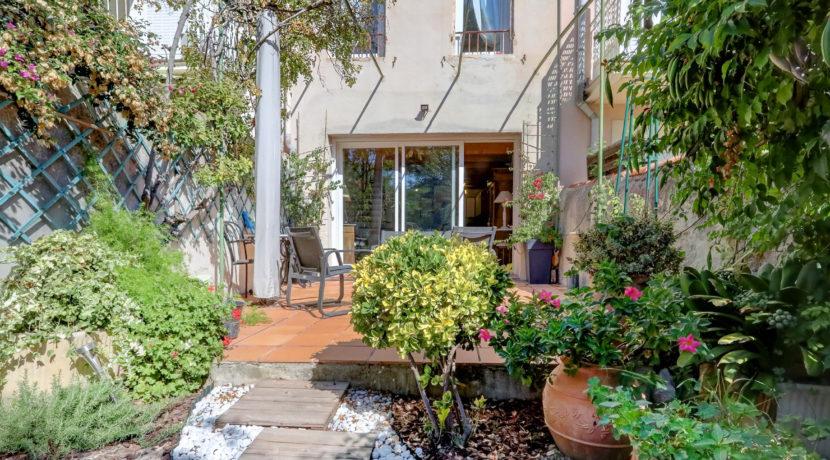 maison_endoume_jardin arboré_13007_lumineux_pleinsud_terrasse_facade2