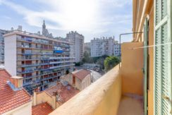 facade_marseille_endoume_13007_vueimprenable_notredame_labonnemere_appartement_13007_balcon
