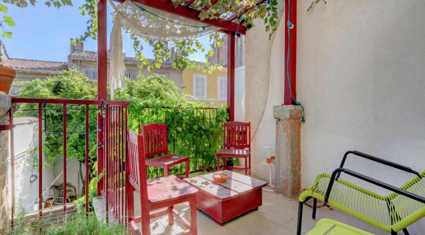 maison_jardin_vauban_cheminée_calme_marseille_lumineuse_13007_13006_charmante_vueimprenable_terrasseensoleillee
