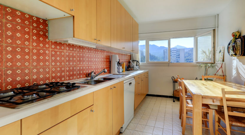 roydespagne_appartement_vueimprenable_vueincroyable_vuemer_vuecalanque_marseille13009_t5_prochemer_calme_pleinsud_salon_terrasse_cuisine