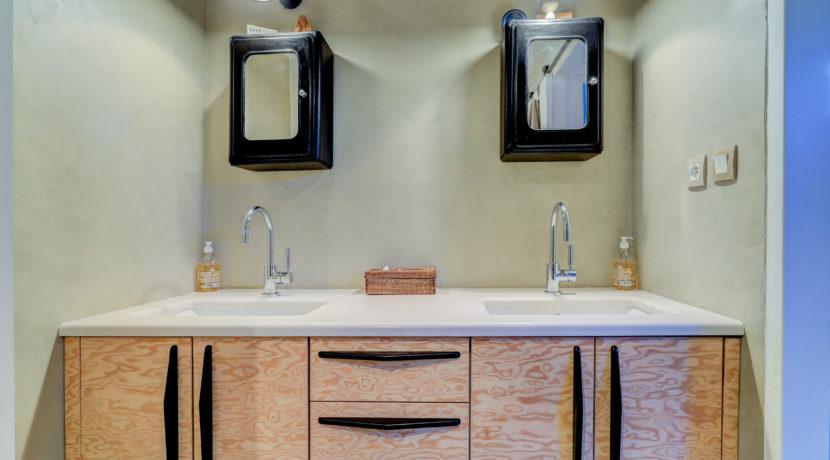 stjulien_13012_marseille_appartementmoderne_contenporain_design_ensoleille_pleinsud-terrasse_sdb
