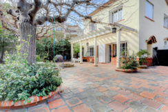 maison_jardin_13012_pleinsud_cheminee_terrasse2