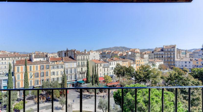vue_imprenable_marseille_terrasse_13006_cours_julien-8