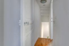 Maison_Vauban_sud_jardin_ensoleille_escaliers