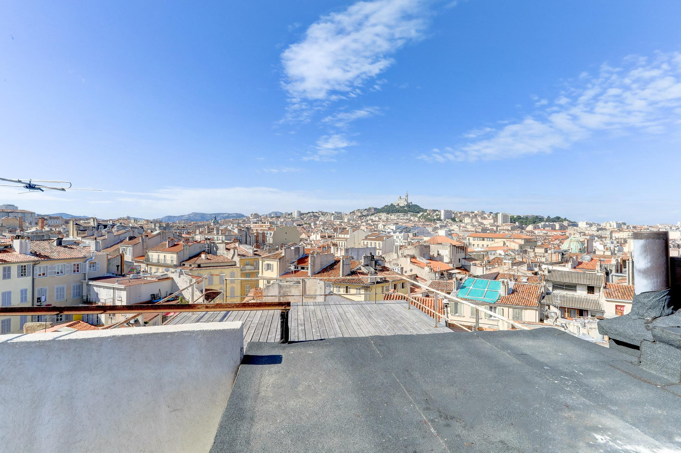 Rooftop dans le quartier de Noailles