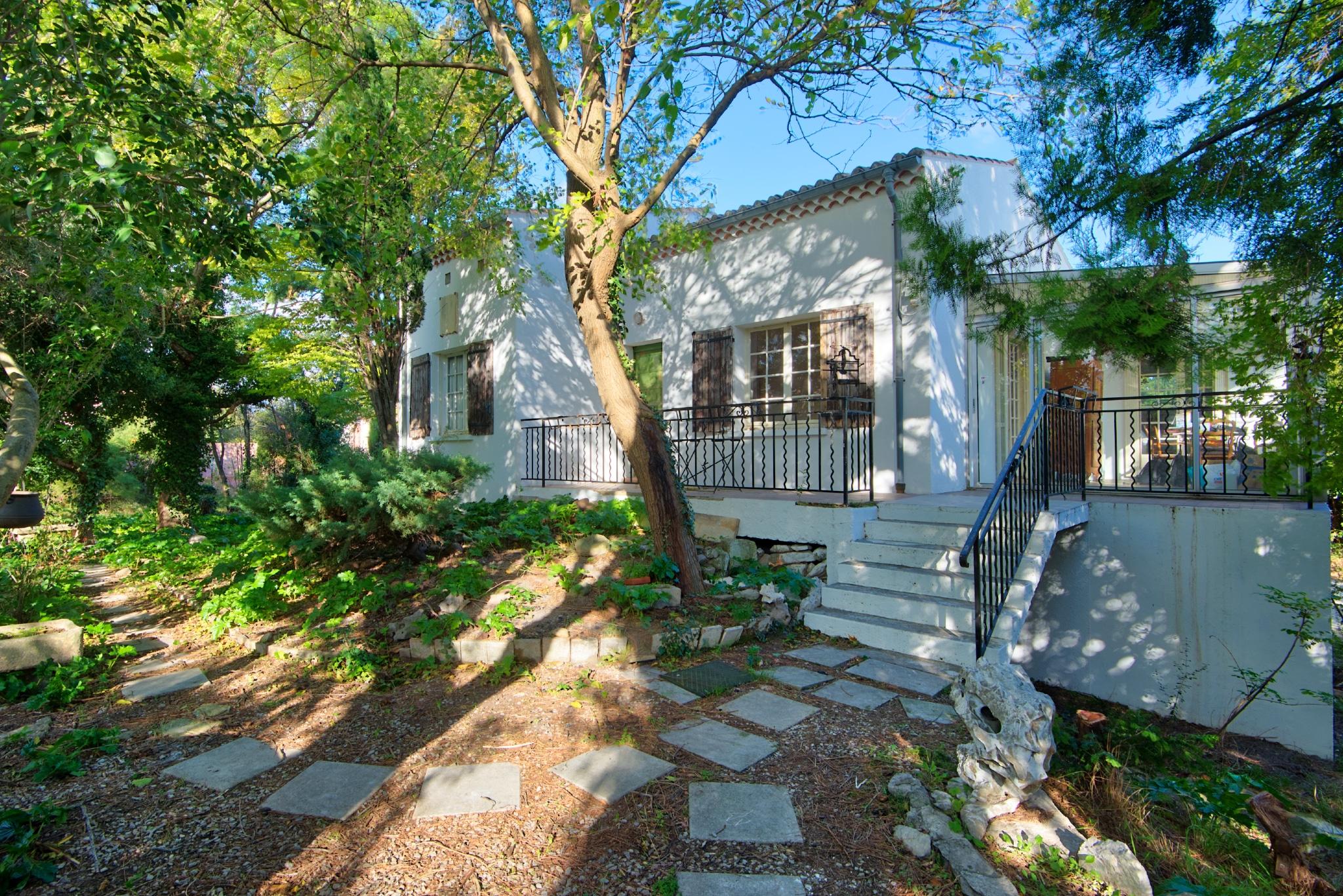 Maison à Saint Rémy de Provence avec grand terrain